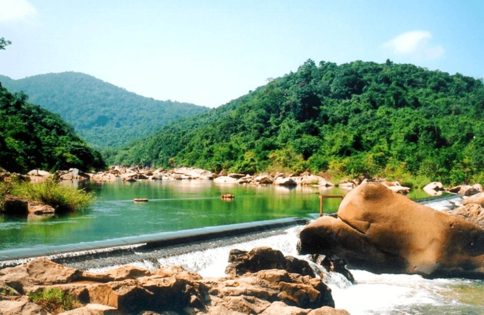 Khu Du Lịch Hầm Hô là một danh lam thắng cảnh cần đến khi du lịch tại Quy Nhơn